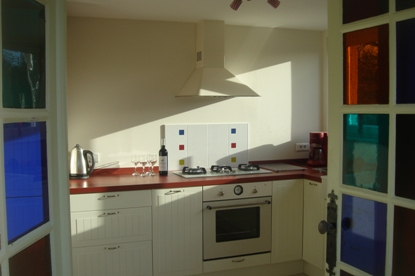 kitchen cooker in Les Balcons holiday home in Le Grand-Pressigny France